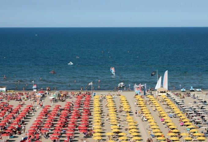 11 696x464 Spiaggia Rivazzurra