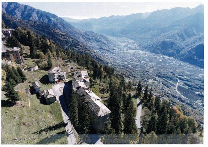 Vendesi Complesso Immobiliare In Valtellina